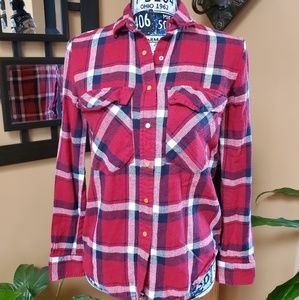 ATMOSPHERE RED, WHITE, & BLUE PLAID SNAP DOWN TOP!